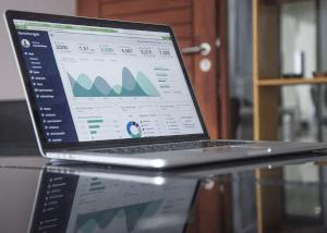 laptop-with-analytics-screen